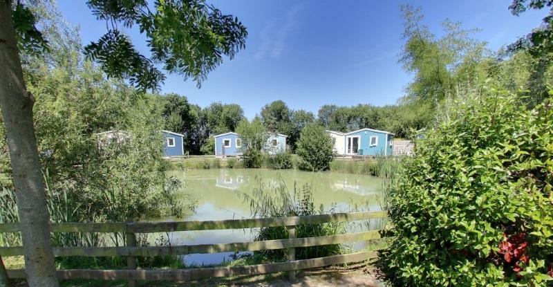 Cottage village pêcheur vue étangs