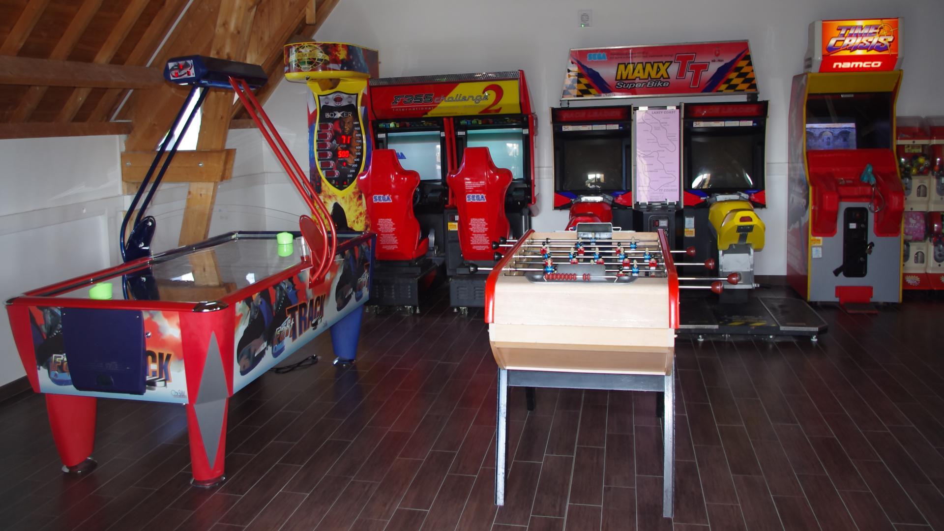 salle de jeux d'arcade au camping Port'land