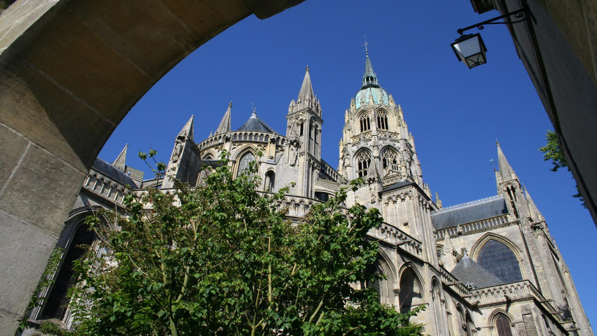 bayeux cathedral normandie
