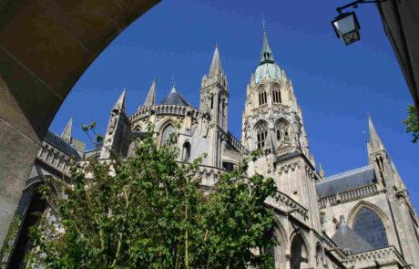 cathédrale de bayeux proche du camping Port'land à port-en-bessin
