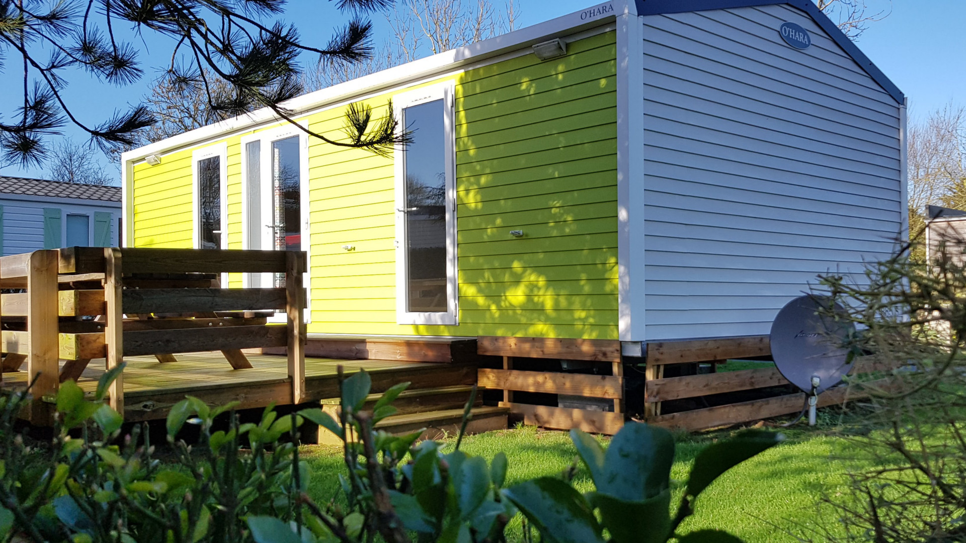 Cottage Gold vue extérieur avec grand jardin