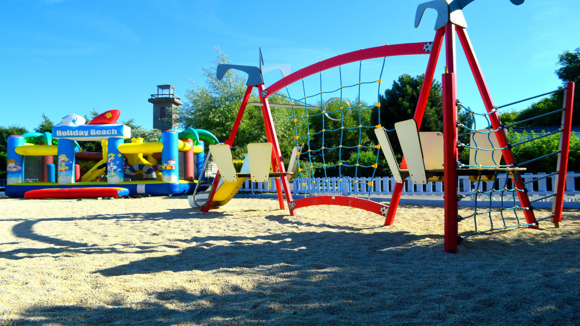 jeux gonflables et jeux pour enfant camping Port'land en Normandie
