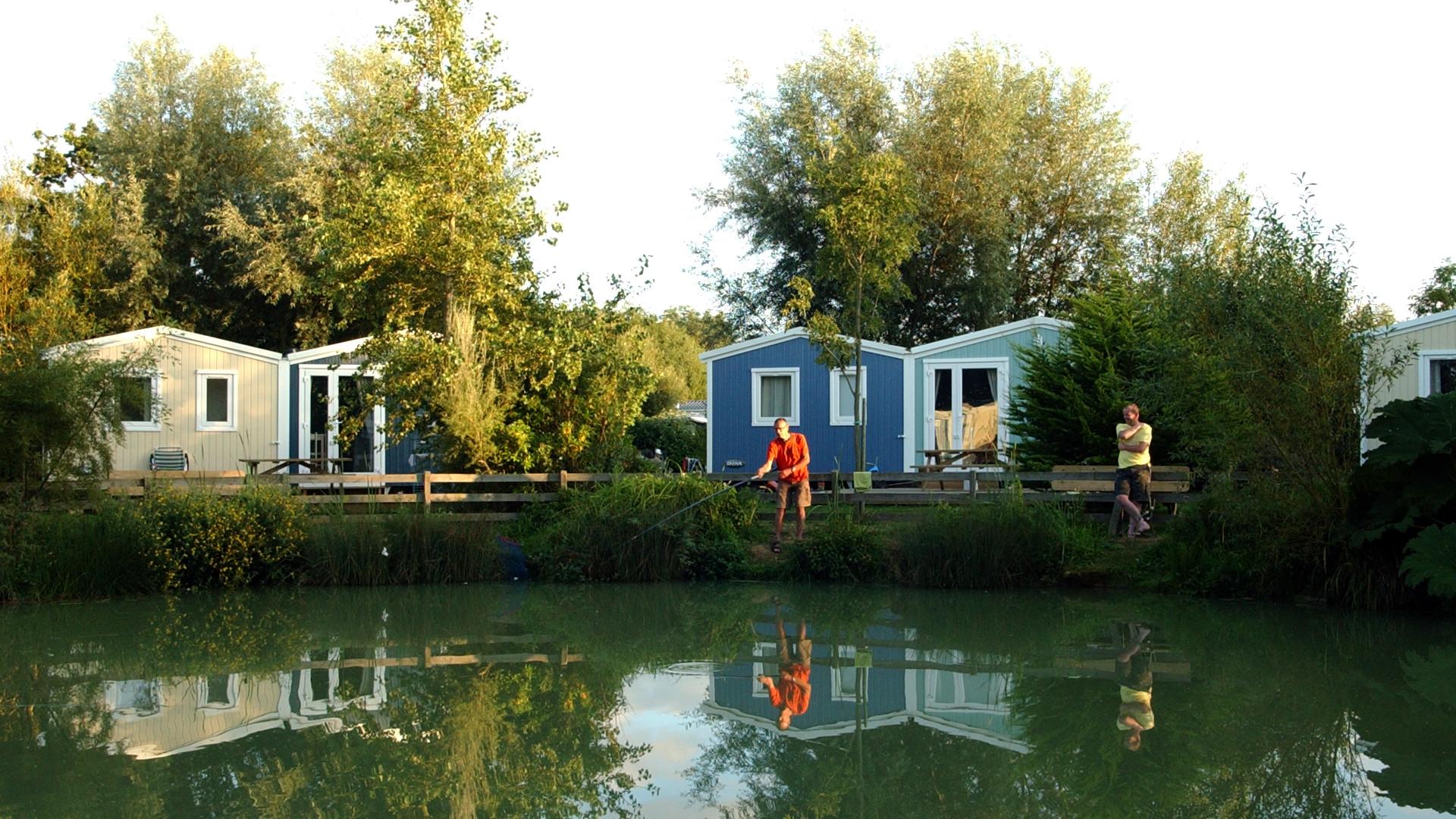 Mobile home 3 chambres accès sur étang de pêche